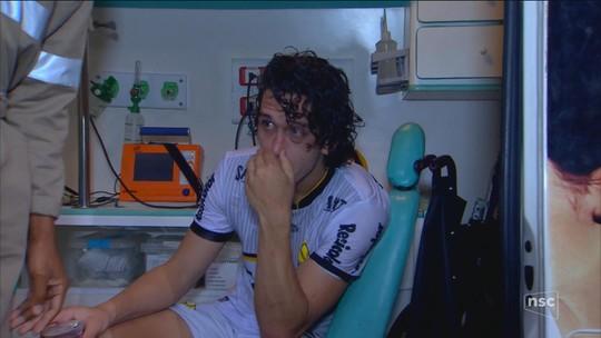 Nicolas lamenta lesão e consulta especialistas para antecipar retorno após cirurgia