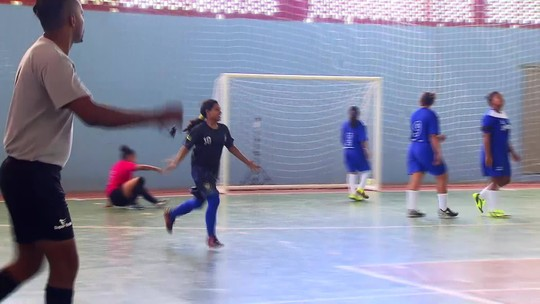 Rio, estrada e avião: o caminho do time de futsal feminino do AP até os Jogos Escolares