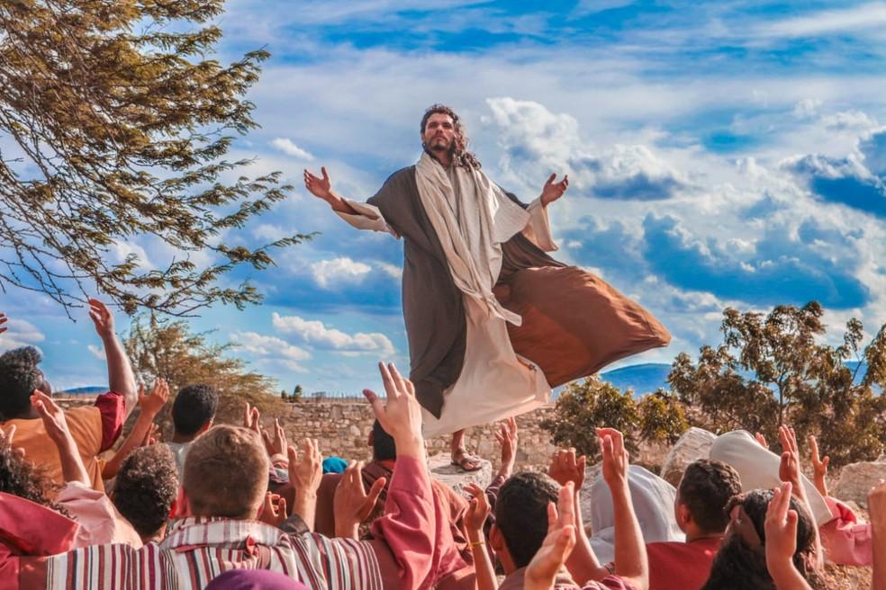 Paixão de Cristo é encenada pela Associação Teatral Arte e Fé, de São Miguel dos Campos — Foto: Fernando Veloso/Arquivo pessoal