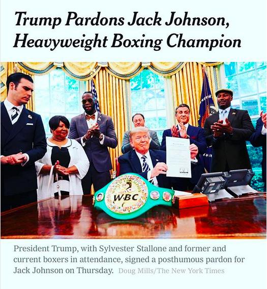 Um post de Sylvester Stallone nas redes sociais com a notícia do perdão dado por Donald Trump ao boxeador Jack Johnson (Foto: Instagram)