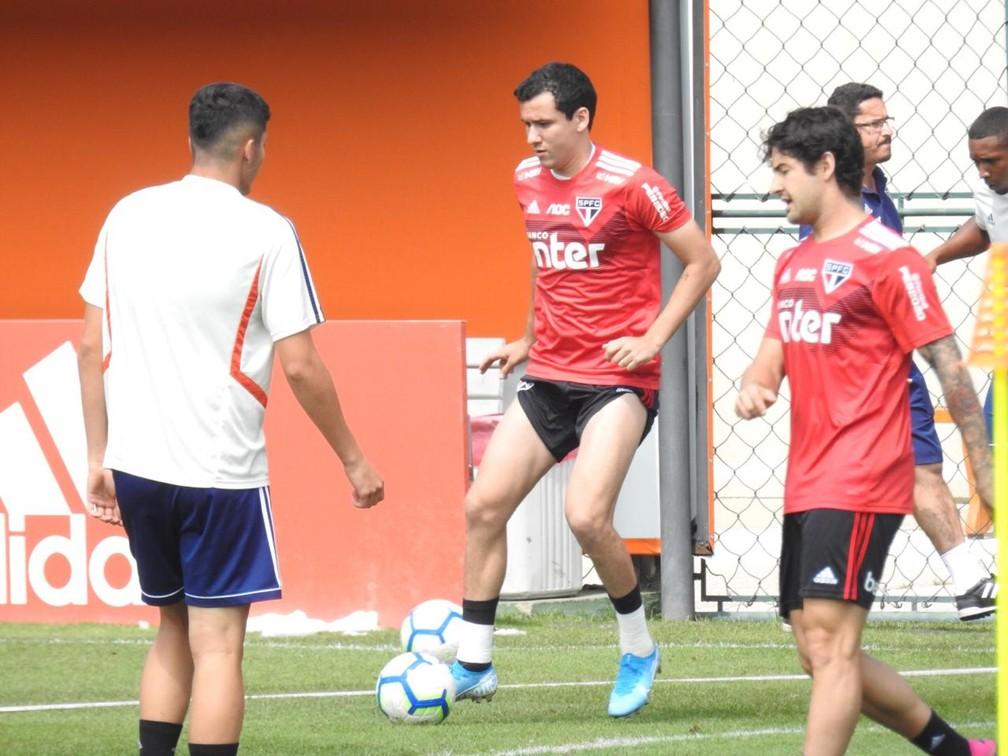 Pablo treina no São Paulo e volta ao time nesta quinta — Foto: Marcelo Hazan