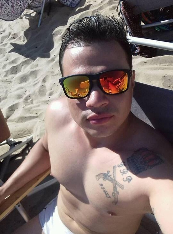 Gláucio tem o brasão da PM tatuado (Foto: Reprodução/ Redes Sociais)