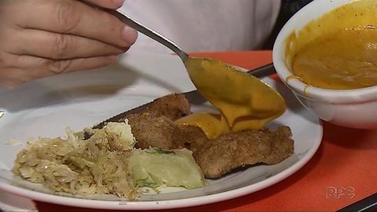 Aprenda a fazer o porco à milanesa com molho de páprica do 'Caminhos do Campo'