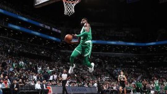 De máscara, Irving lidera contra os Nets, e Celtics chegam a 13 vitórias seguidas
