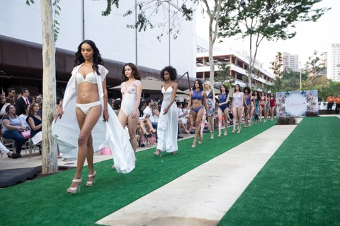 Desfile da Valisere aconteceu no Garden do Flamboyant Shopping