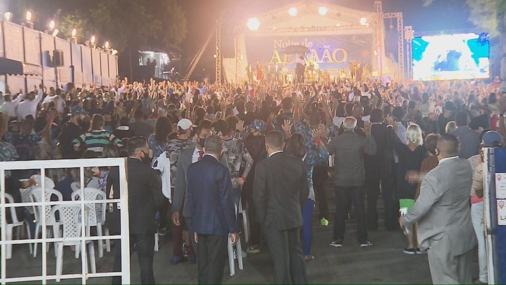 Culto reuniu mais de duas mil pessoas no local, segundo os agentes da Aifu  — Foto: Reprodução/RPC