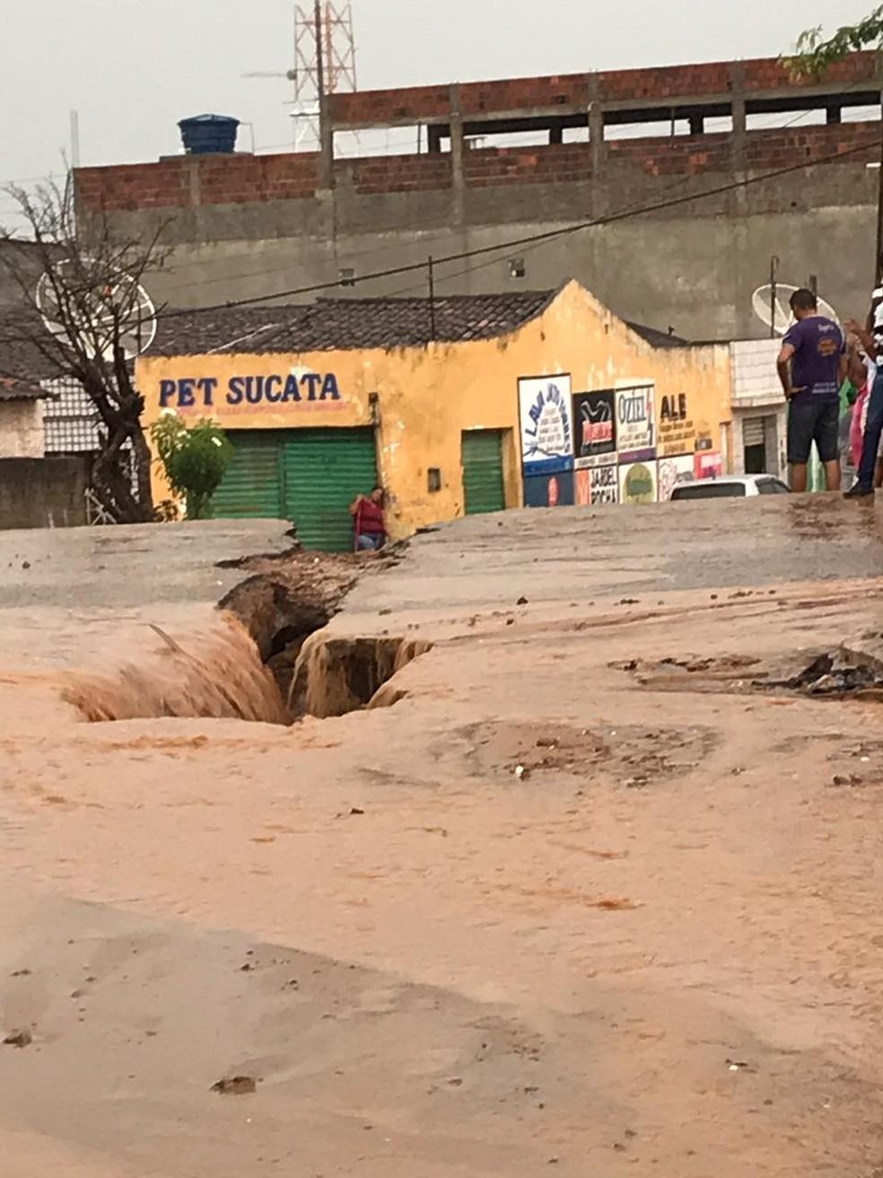 Chuvas fortes são registradas em Buíque — Foto: WhatsApp/Divulgação