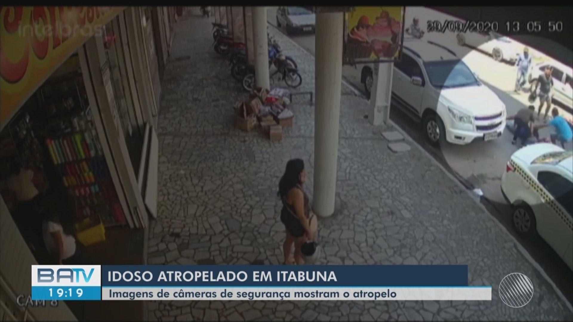 Idoso é atropelado por moto em  Itabuna, sul da Bahia; vídeo mostra acidente