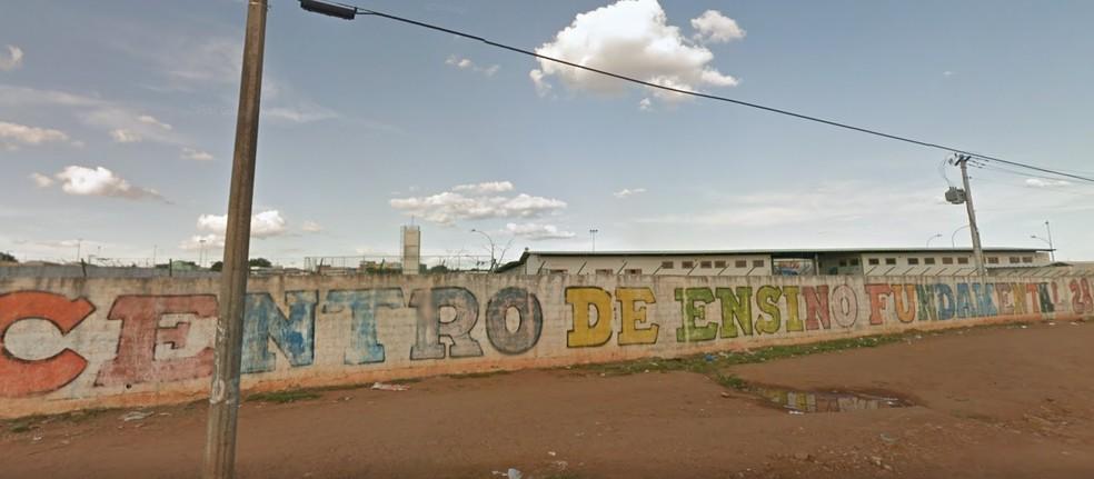 Centro de Ensino Fundamental 28 na Ceilândia, no Distrito Federal  — Foto: Google Maps/Reprodução