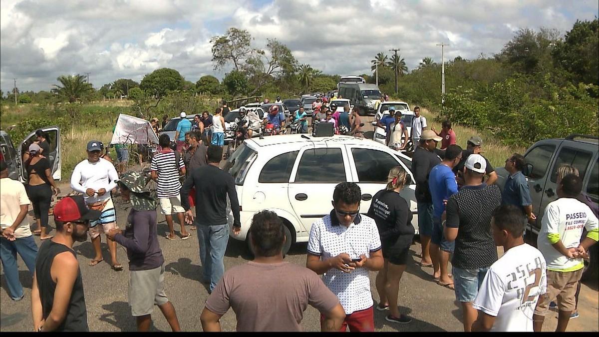 Protesto contra limitação de veículos impede acesso a praias do Litoral Sul da Paraíba