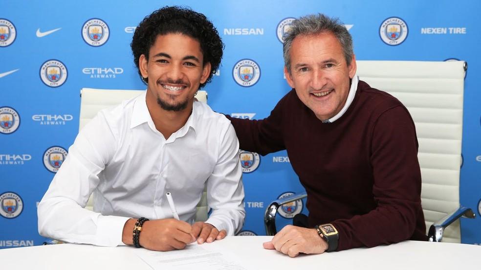 Douglas foi comprado pelo Manchester City e emprestado ao Girona (Foto: Reprodução / Twitter)