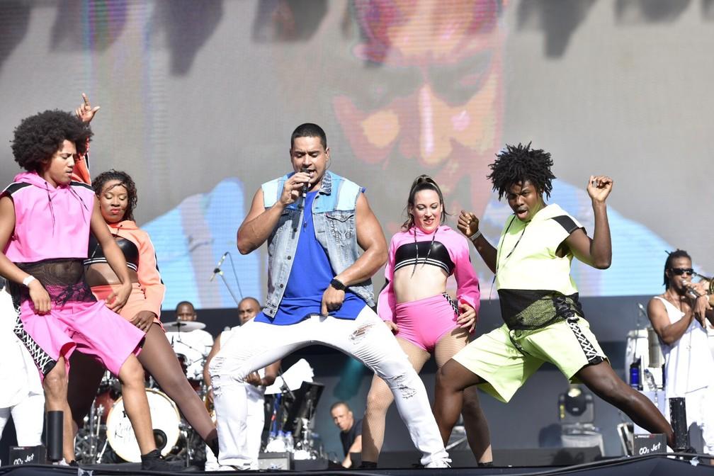 63b7f158c ... Harmonia do Samba ferveu tudo no Festival de Verão Salvador — Foto   Elias Dantas