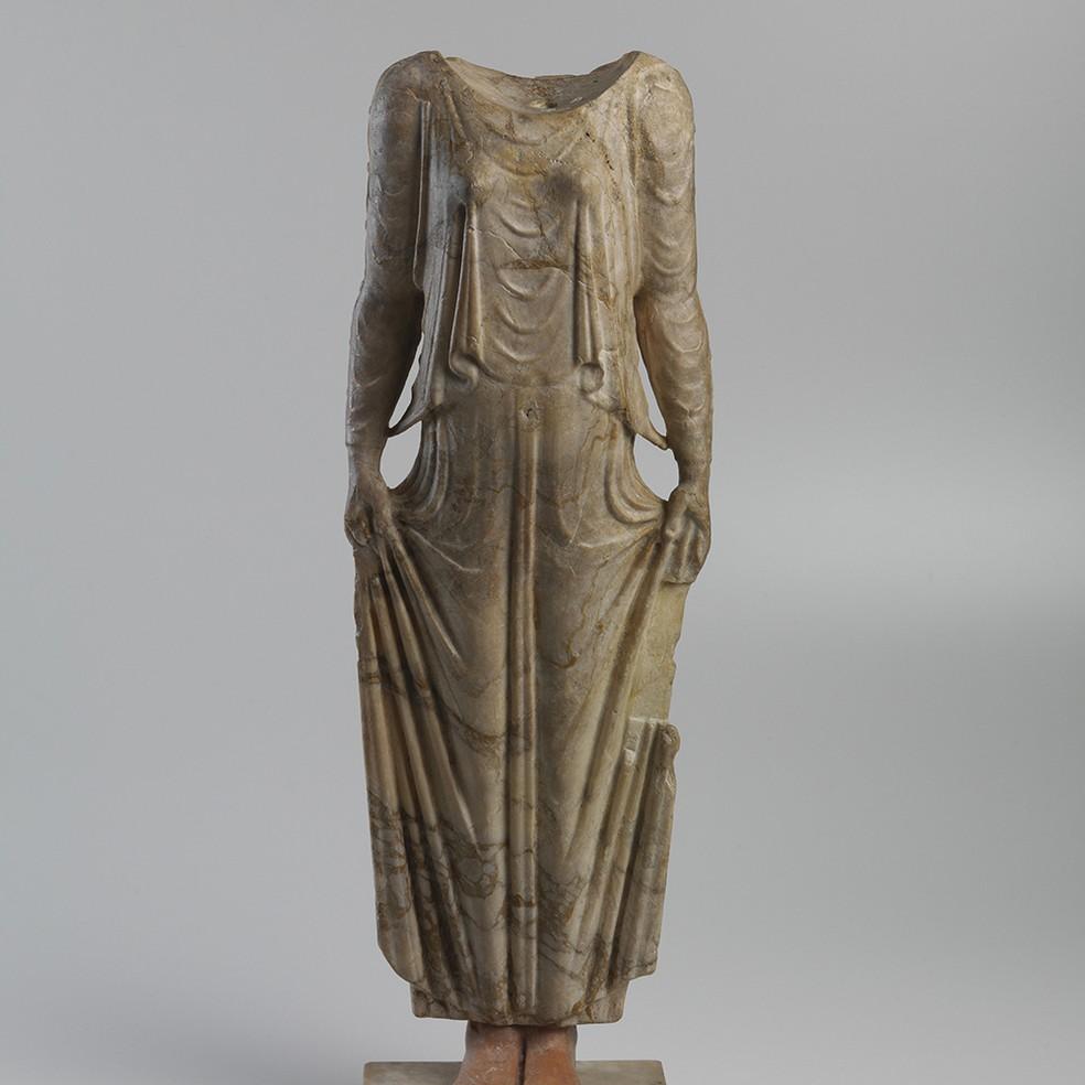 Estátua grega quebrada durante incêndio no Museu Nacional será restaurada com apoio de técnicos italianos — Foto: Instituto Italiano di Cultura/Divulgação