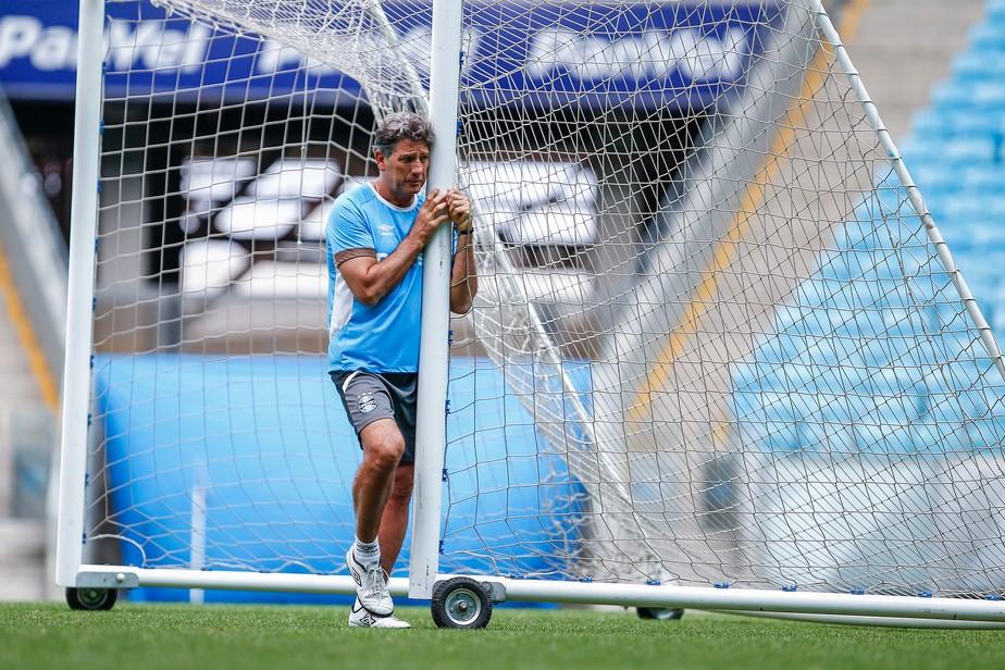 Renato critica veto a Cristian e Cícero e leva grupo inteiro ao Mundial: