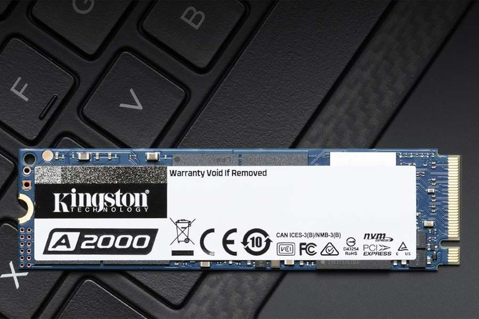 A2000 da Kingston tem bons níveis de performance para um SSD de entrada — Foto: Divulgação/Kingston