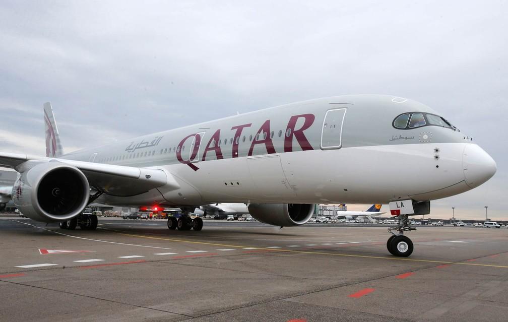 Avião da Qatar Airways (Foto: Michael Probst/AP/Arquivo)