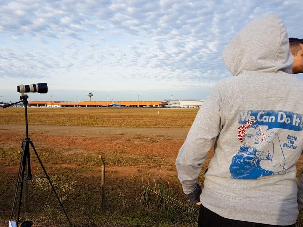 Céu azul em Viracopos em 'Spotter day', em Campinas. — Foto: Luciano Calafiori/G1