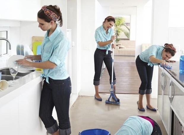 Não sabe por onde começar a limpar a casa? A gente te ajuda (Foto: Getty Images)