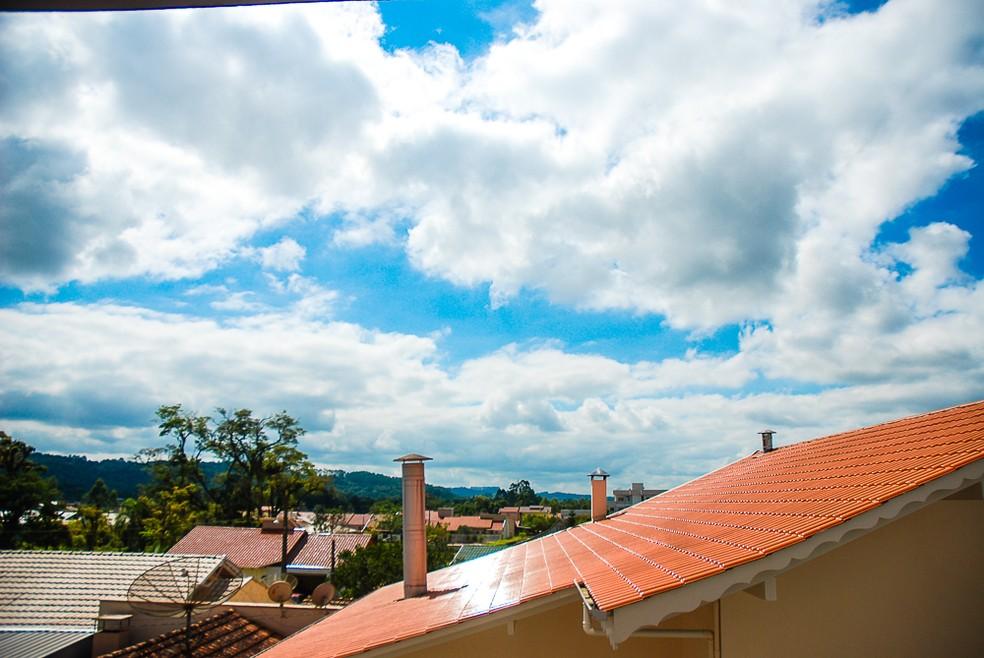 Sol deve aparecer entre nuvens na maior parte de SC — Foto: Giácomo Miranda/Diário Alto Vale