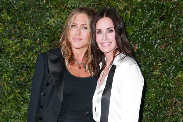 As atrizes Jennifer Aniston e Courteney Cox (Foto: Getty Images)