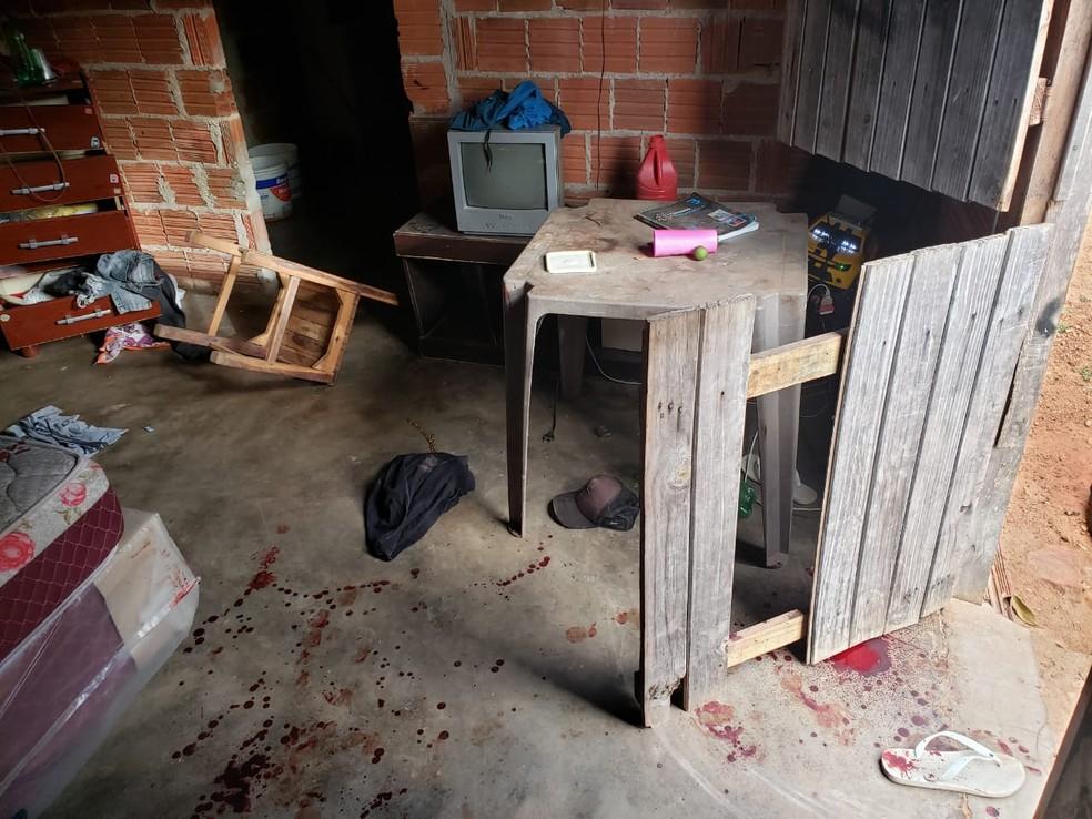 Daniel de Sousa foi morto pelo ex-namorado de sua companheira, Roniê Gomes, em Banbuiú, no interior do Ceará. — Foto: Reprodução