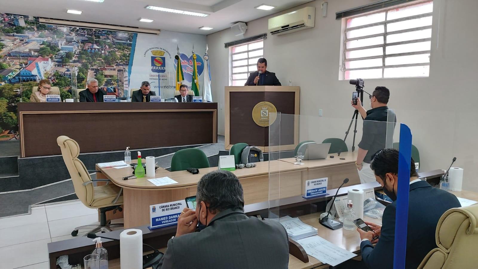 Câmara de Rio Branco retoma atividades presenciais após mais de 6 meses com sessões on-line