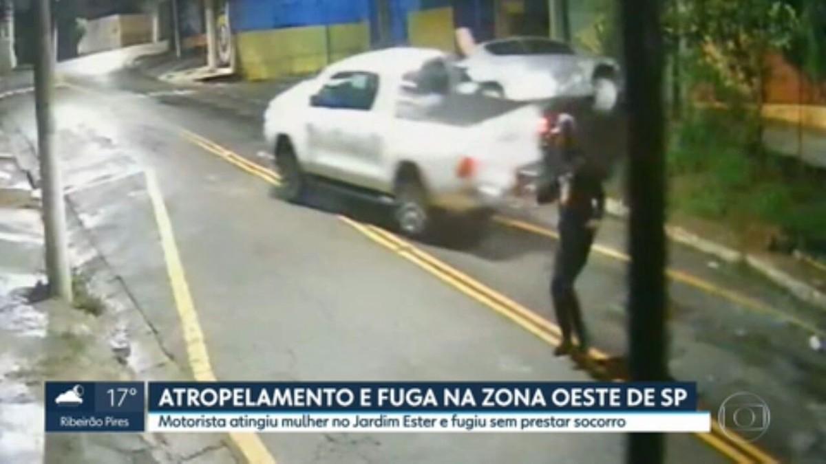 Vídeo mostra mulher sendo atropelada enquanto aguardava guincho para carro na Zona Oeste de SP