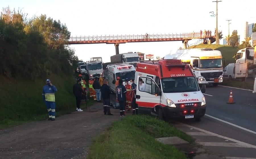 Trabalhador que retirava cones de estrada morre atropelado em Ponta Grossa, diz PRF