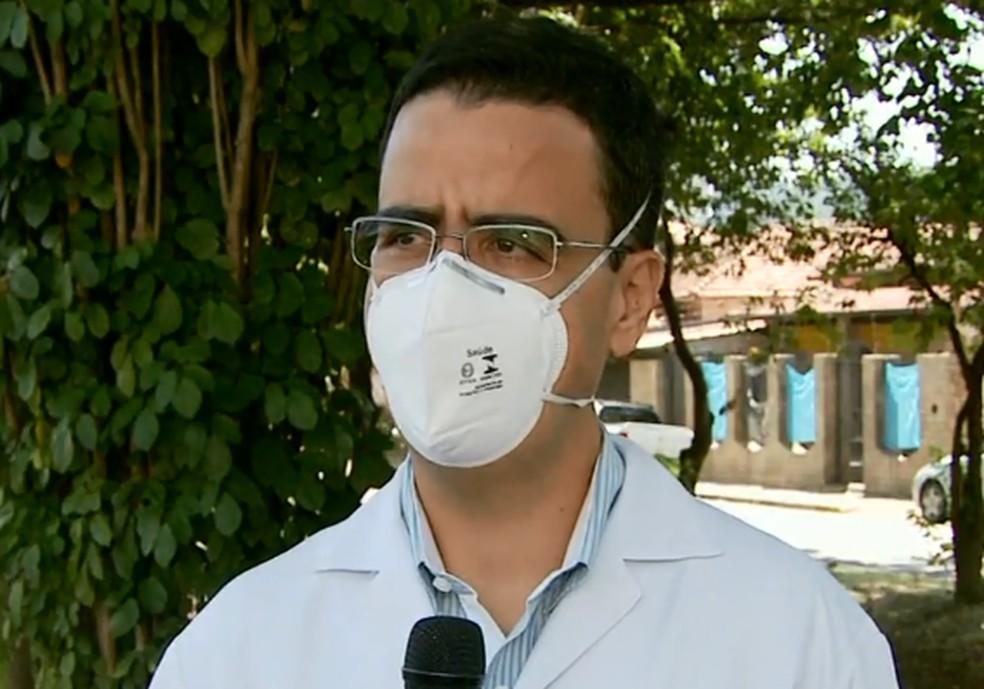 Médico aponta que variantes estão relacionadas ao número mortes e casos de Covid-19 em Itajubá — Foto: Reprodução/EPTV