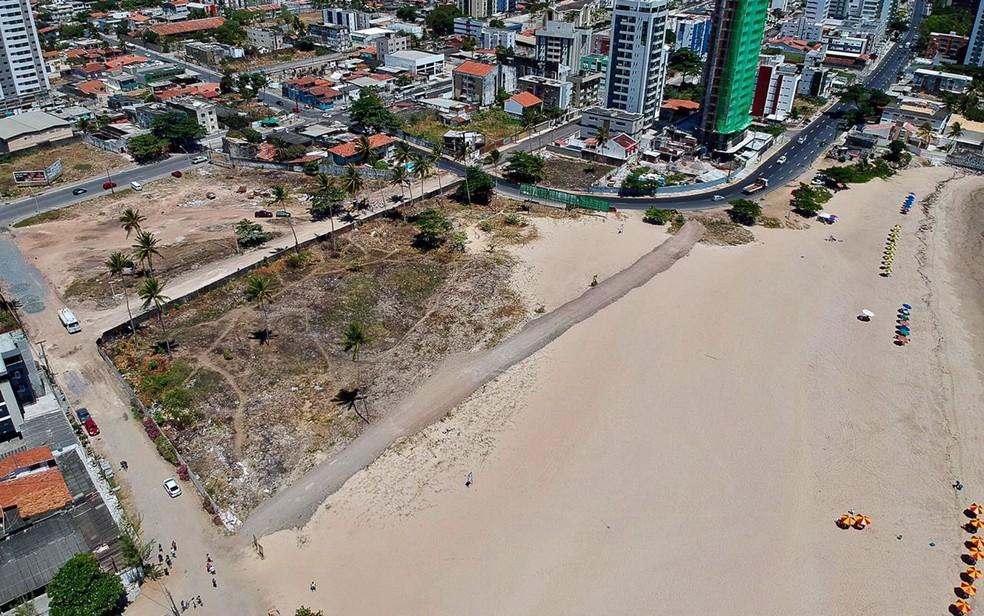 Estrada foi aberta na Praia de Barra de Jangada — Foto: Marcos Souza/Reprodução/WhatsApp