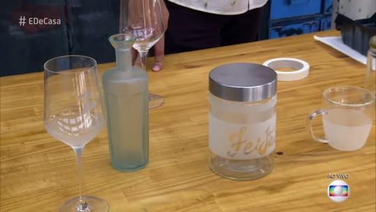 Blogueira Kim Carvalho ensina técnica de falso jateado para decorar objetos de vidro
