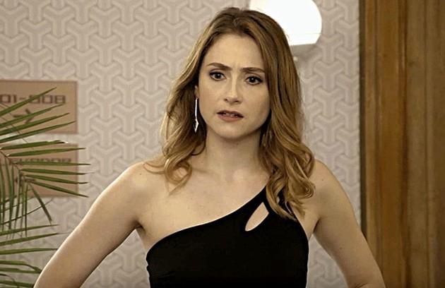 Petra (Bruna Guerin) será demitida da novela 'O Preço da Felicidade' (Foto: TV Globo)
