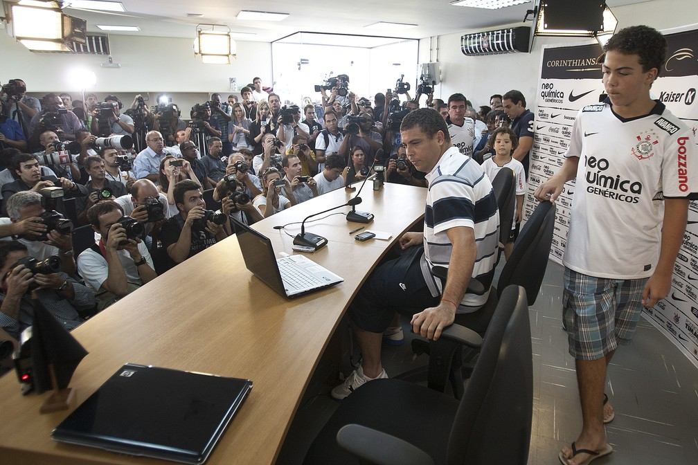 Ronaldo em sua entrevista coletiva de despedida no Corinthians — Foto: Daniel Augusto Jr/Ag. Corinthians