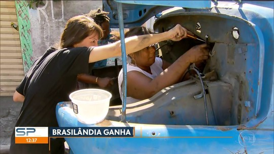 Moradores de Brasilândia fazem mutirão para transformar caminhão em brinquedo gigante