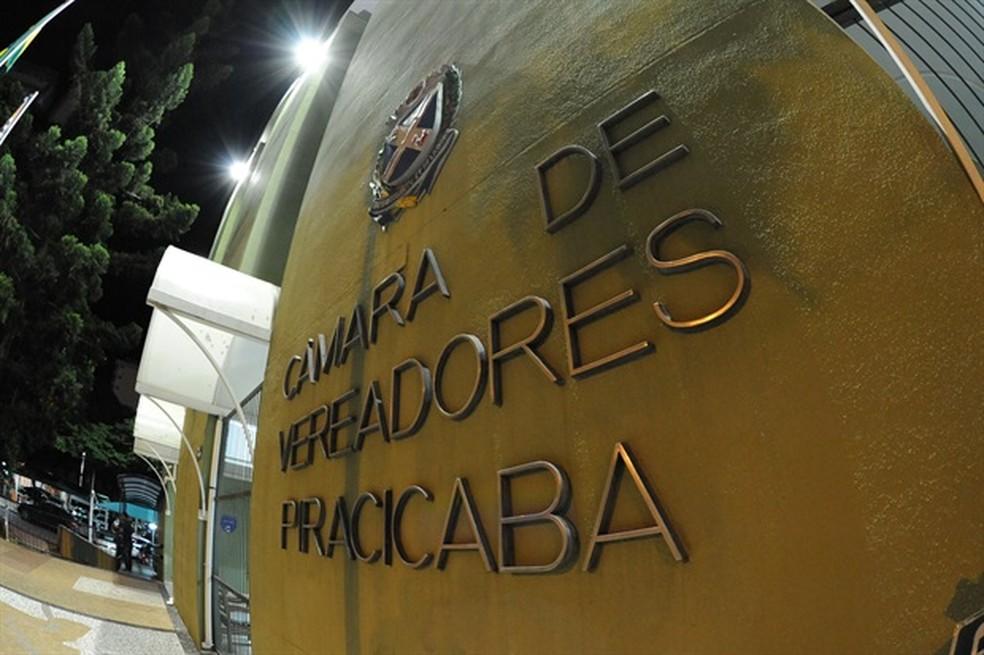 462f831786d ... Câmara de Piracicaba vai fazer concurso para repor vagas — Foto   Fabrice Desmonts Câmara