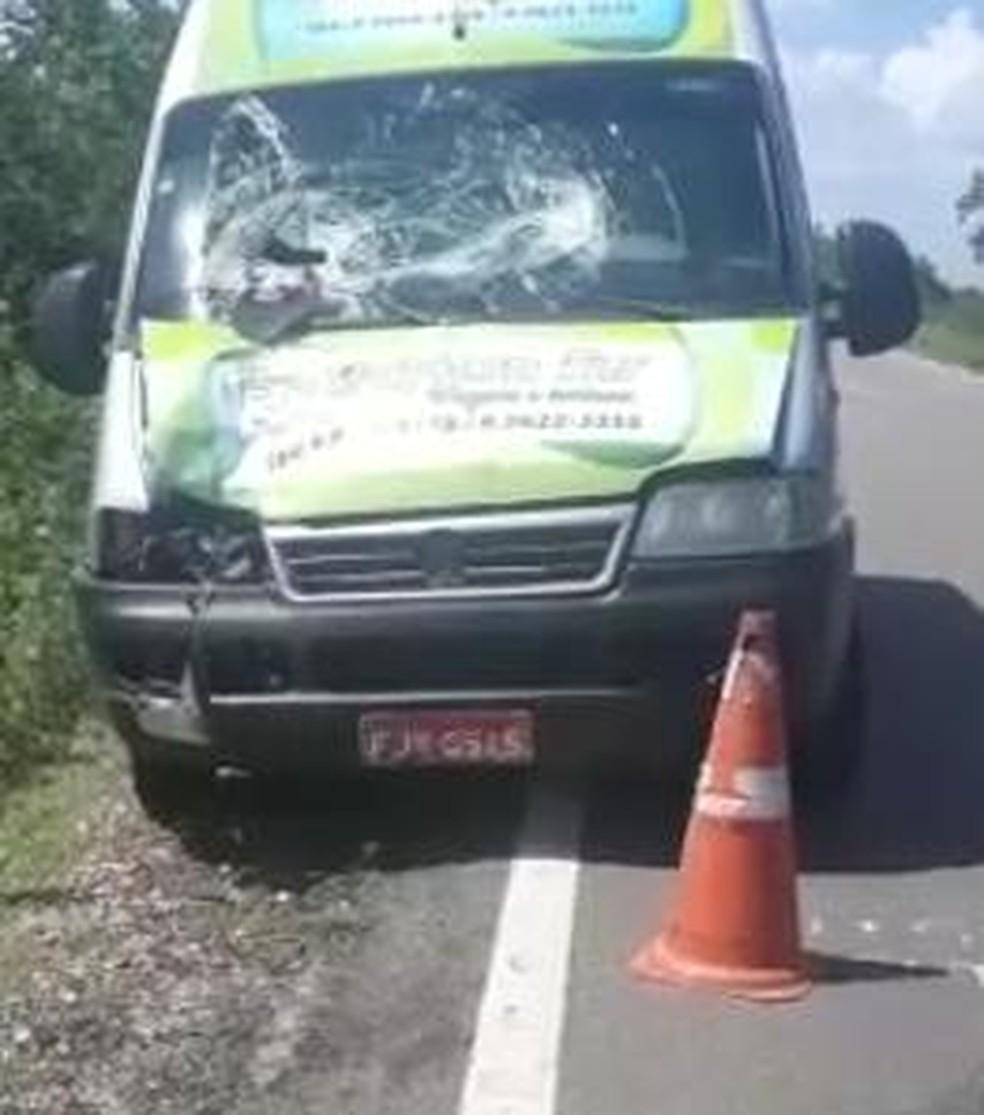 Van atropela operário que trabalhava em obra na BR-405, na região Oeste do RN — Foto: Reprodução