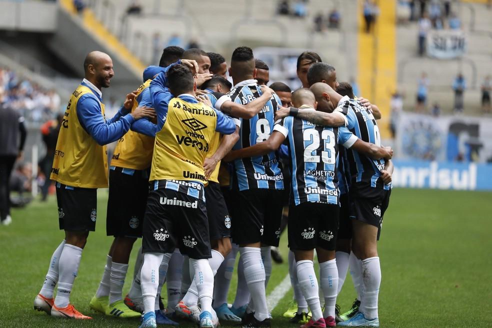 Jogadores comemoram um dos gols da vitória sobre o Botafogo — Foto: Itamar Aguiar/Agencia Freelancer