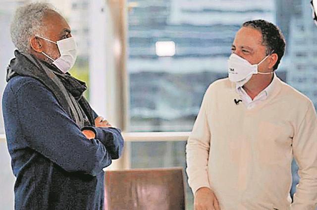 Dr. Roberto Kalil entrevista Gilberto Gil (Foto: Divulgação)