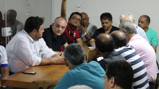 Em reunião com conselheiros, Batista Filho explica prestação de contas questionadas pela Justiça