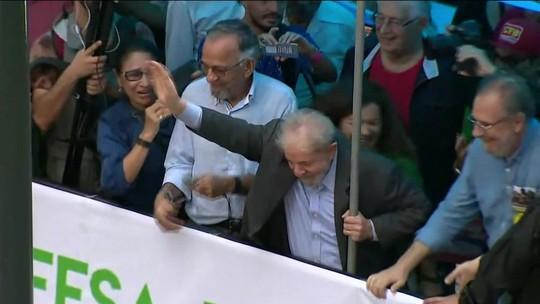 Ex-presidente Lula participou de ato em Porto Alegre