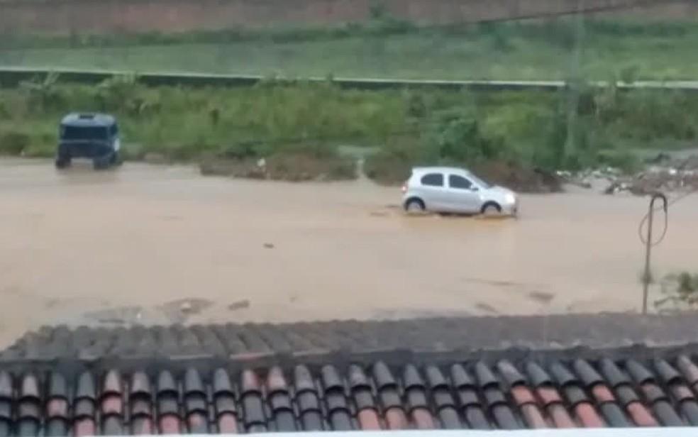 Chuva atingiu Ribeirão, na Zona da Mata de Pernambuco — Foto: Reprodução/WhatsApp