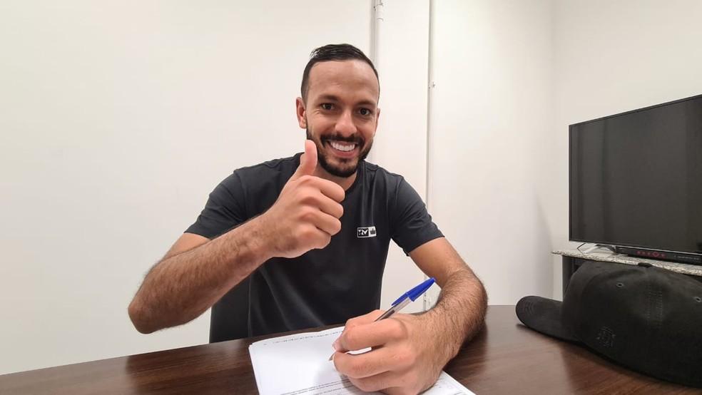 Yago renova com o Fluminense até o fim de 2022 — Foto: Divulgação