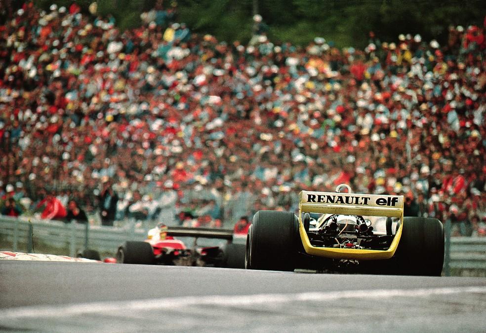 Arnoux e Villeneuve disputam segundo lugar em Dijon, em 1979 — Foto: Getty Images