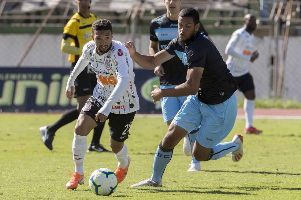 Clayson foi titular contra o Londrina — Foto: Daniel Augusto Jr/Ag. Corinthians
