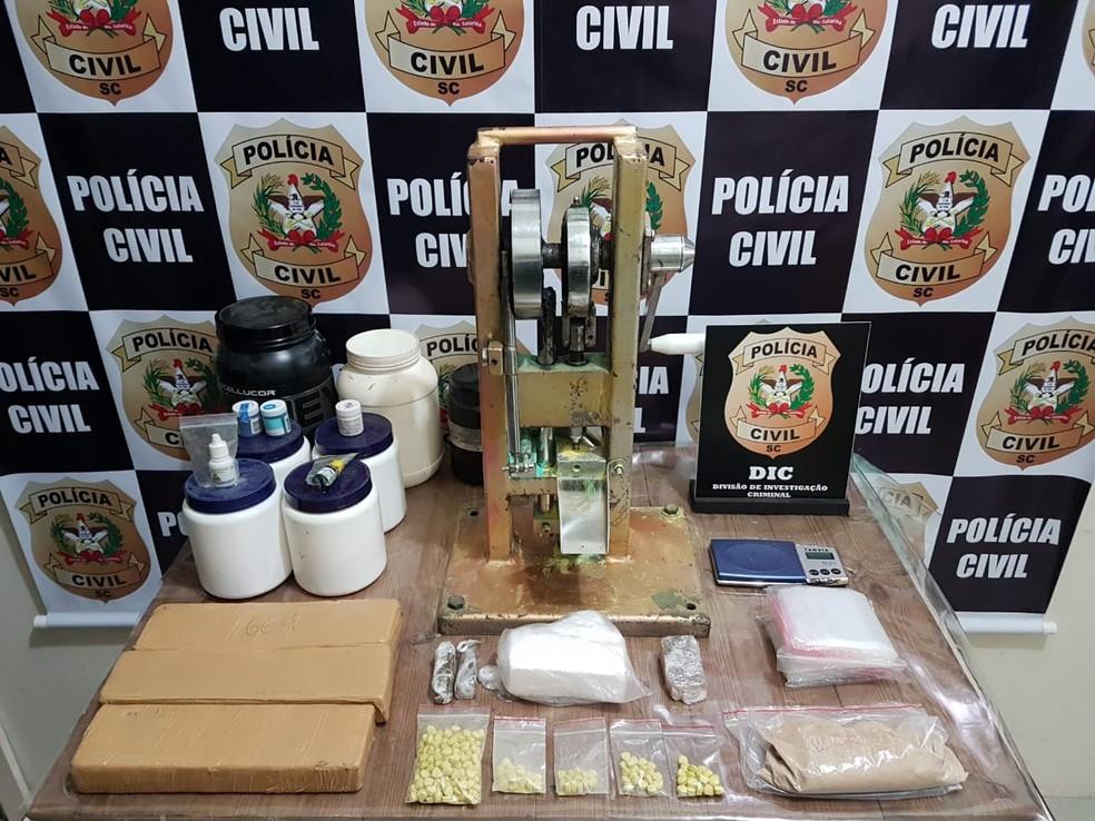 Laboratório de drogas sintéticas foi fechado em Blumenau — Foto: Polícia Civil/Divulgação