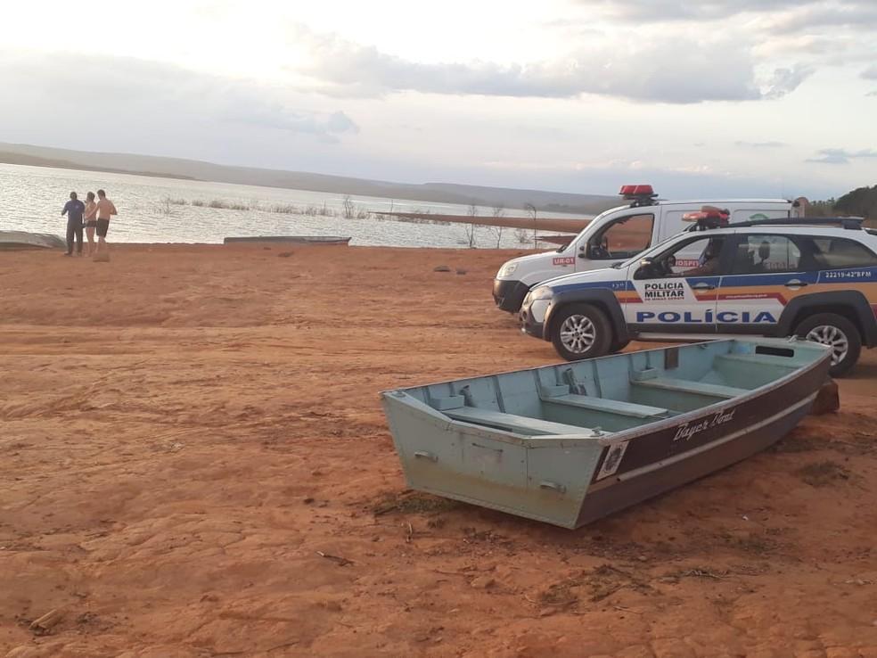 Corpo foi levado para o IML de Curvelo — Foto: Corpo de Bombeiros Voluntários de Três Marias  / Divulgação