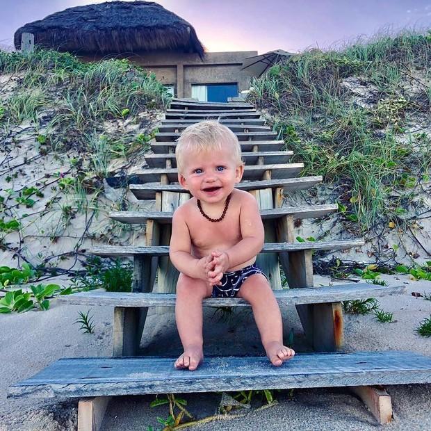 Enrico na praia (Foto: Reprodução/Instagram)