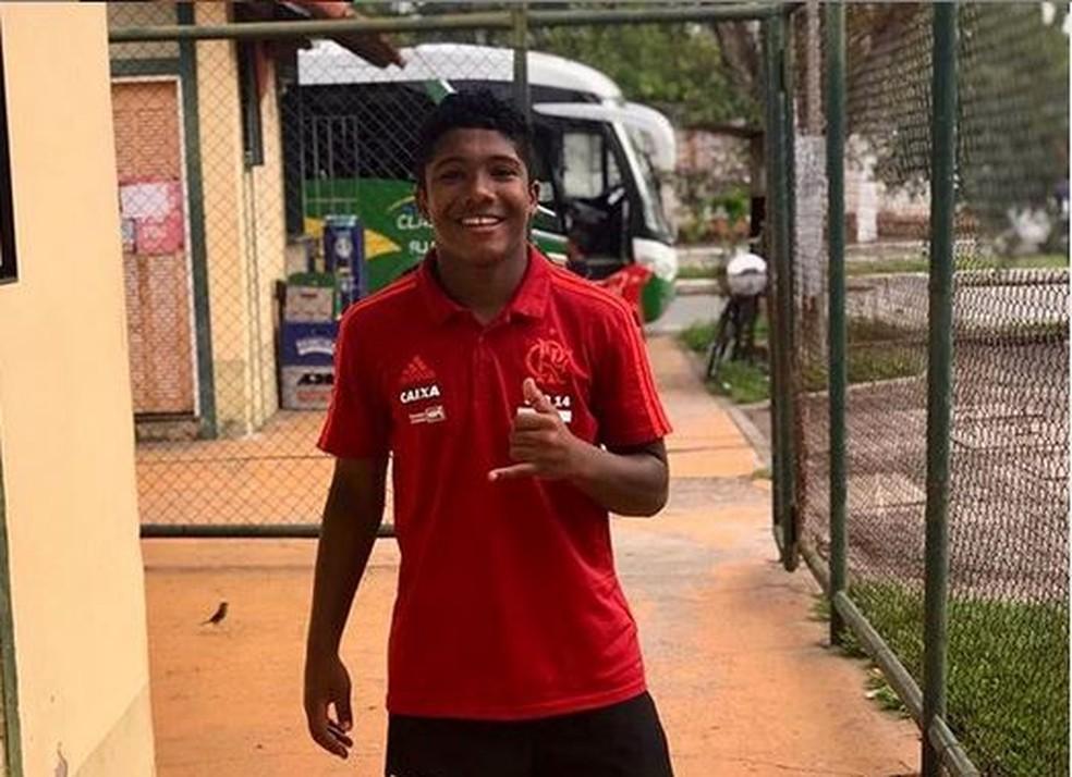 Vitor isaias era atleta das divisões de base do Flamengo — Foto: Reprodução/Facebook