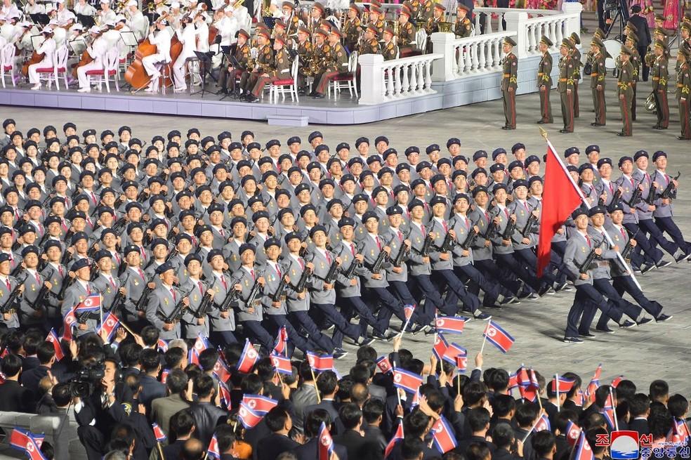 Imagem de desfile em Pyongyang em 9 de setembro de 2021 — Foto: Stringer/KCNA Via KNS/Via AFP