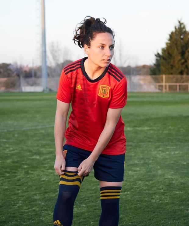 Uniforme da Espanha para a Copa do Mundo de Futebol Feminino (Foto: Divulgação)
